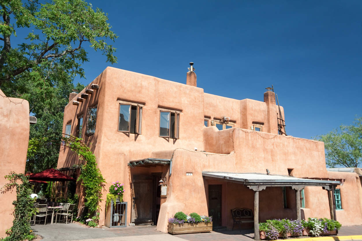 Adobe house in Arizona, concept of colors of Arizona used in interior design.