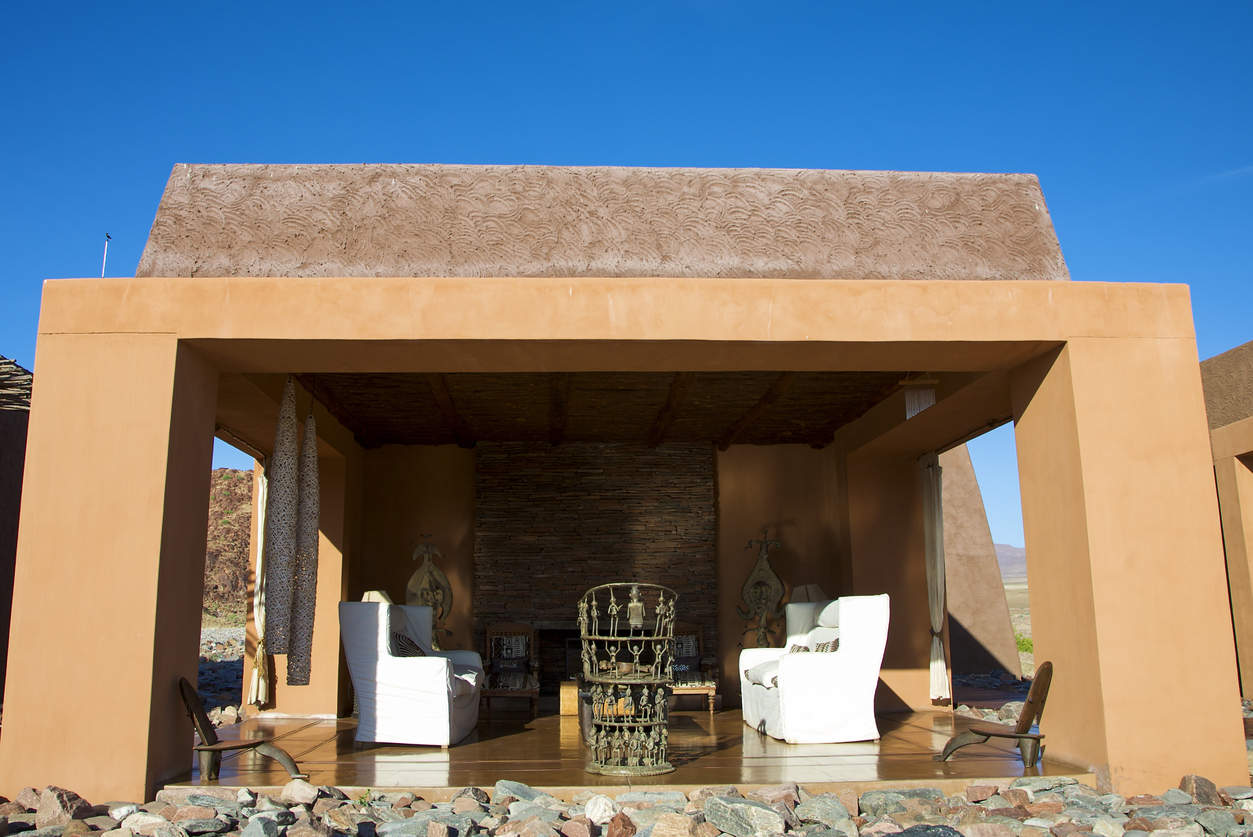 Image of Lluxury lodge desert interior